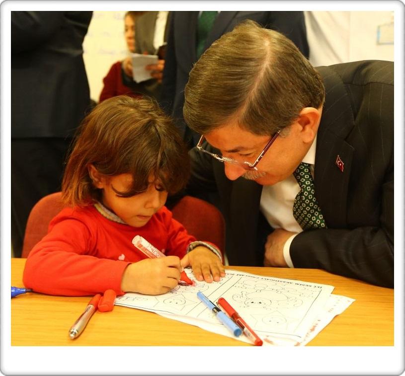Başbakan Ahmet Davutoğlu, Van'da hasta çocukları ziyaret etti  - VAN - HABER ,GAZETE (29)